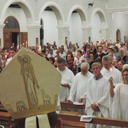 Dom Paulo celebra com o povo diocesano Tríduo Pascal na Catedral