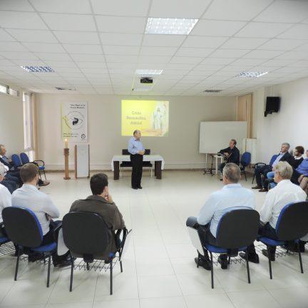 Dom Paulo promove encontro com prefeitos da Diocese