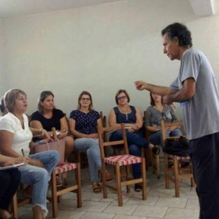 Paróquia de Roca Sales acolhe encontro de educadores cristãos