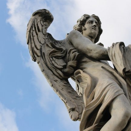 Papa: Anjos da Guarda são nossa porta à transcendência