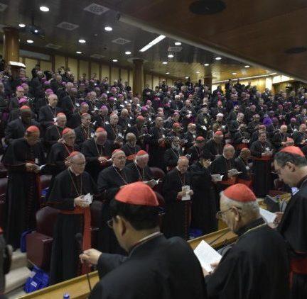 """Vaticano: Proteção de menores na Igreja: """"não estamos no ano zero"""""""