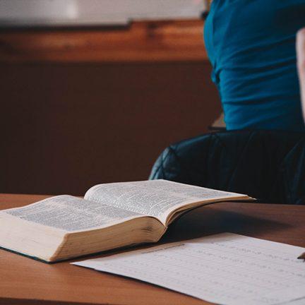 Diocese: Cursos de Teologia iniciam nesta semana