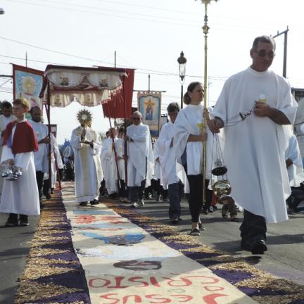 Formação: Por que comemoramos Corpus Christi?