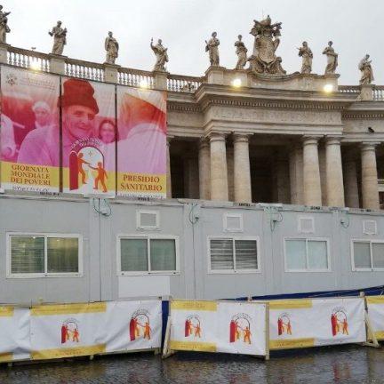 Vaticano: Abre o Posto de Saúde para os pobres na Praça São Pedro