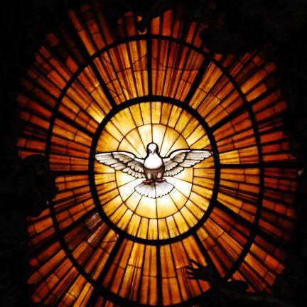 """Artigo: """"Soprou sobre eles e disse: 'Recebei o Espírito Santo'"""" (Jo 20,22)."""